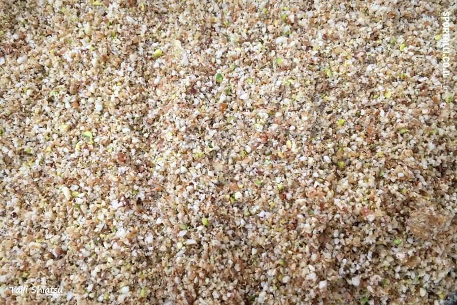 אגוזים וזרעים לפוריות