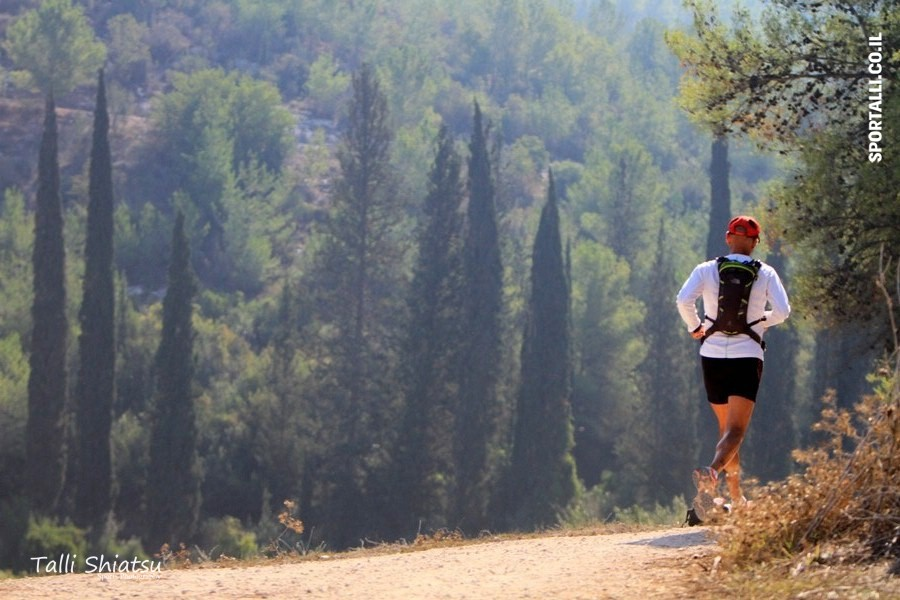 המדליה של אולטרה מרתון סובב עמק | צילום: טלי שיאצו