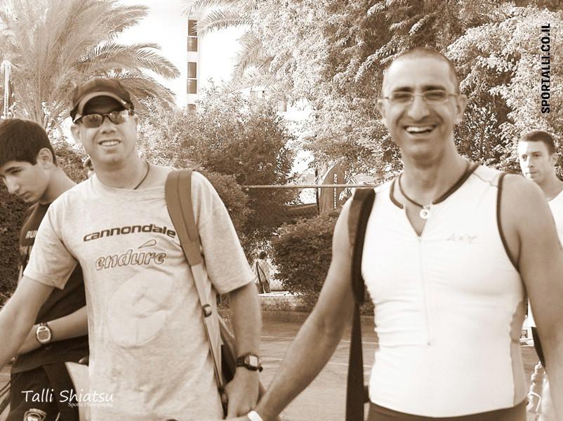 משחה אטרקצי | עזרא אטרקצי ואיציק בטאט בטריאתלון אילת | צילום: שיאצו