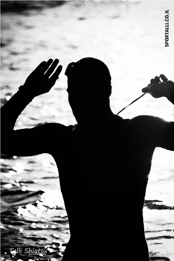 אתגר צילום תמונות ספורט בשחור לבן | תחרות איש ברזל אילת 2012
