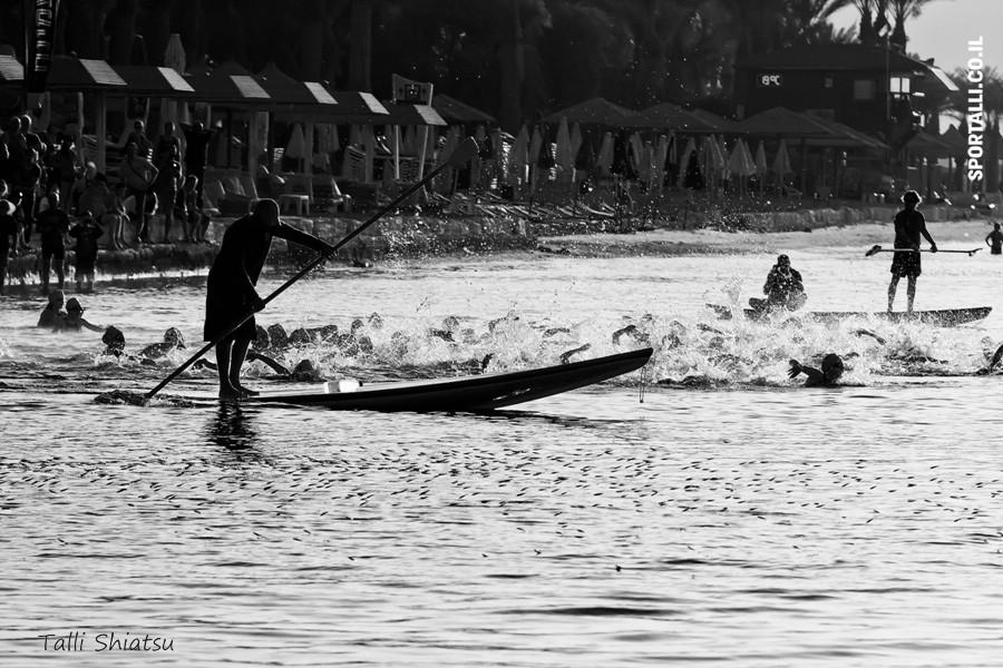 אתגר צילום תמונות ספורט בשחור לבן |טריאתלון אילת 2010