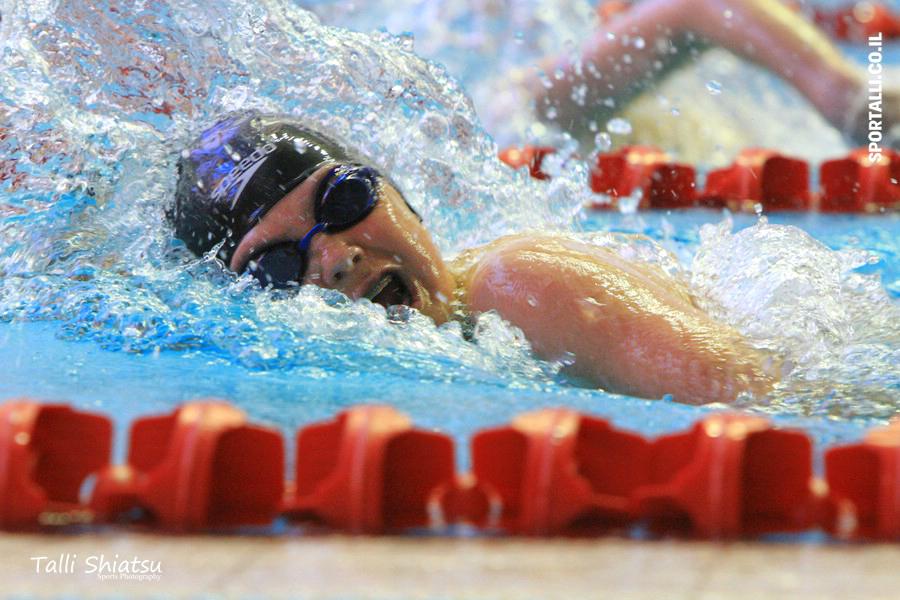 צילום: טלי שיאצו | 10 טיפים לשחיין המתחיל | אימון שחייה בבריכה