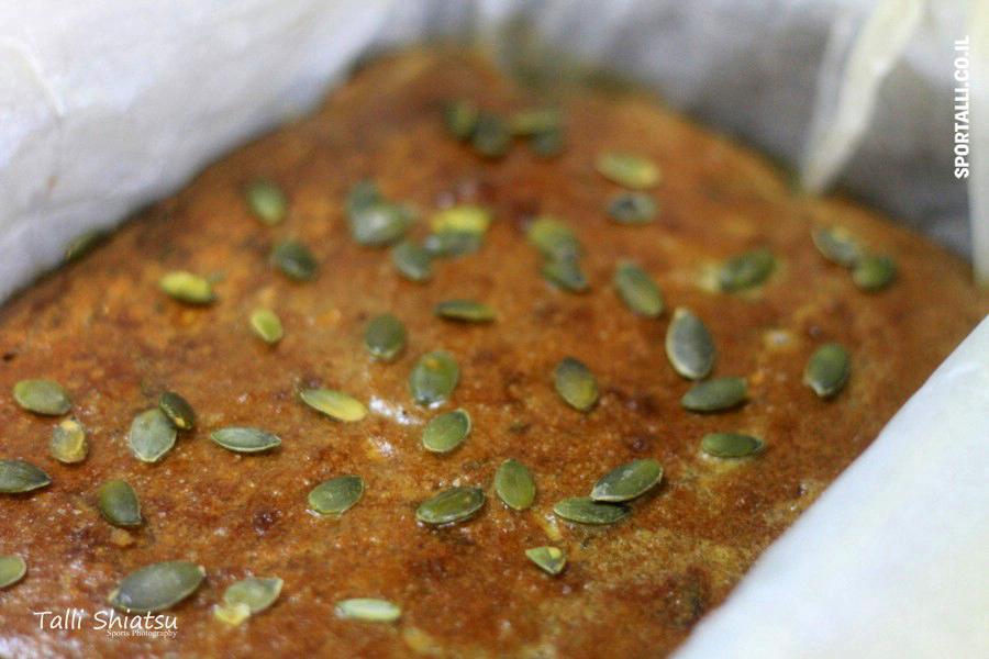 לחם מקינואה וטחינה גולמית - מתכון גמיש ללא גלוטן | צילום: טלי שיאצו