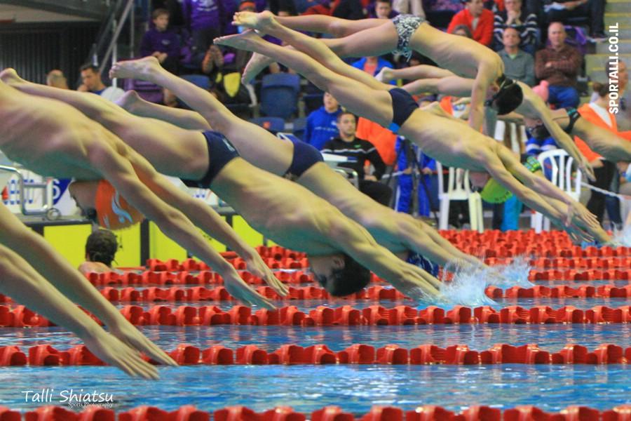 טריאתלט מתחיל | אימון שחייה בבריכה
