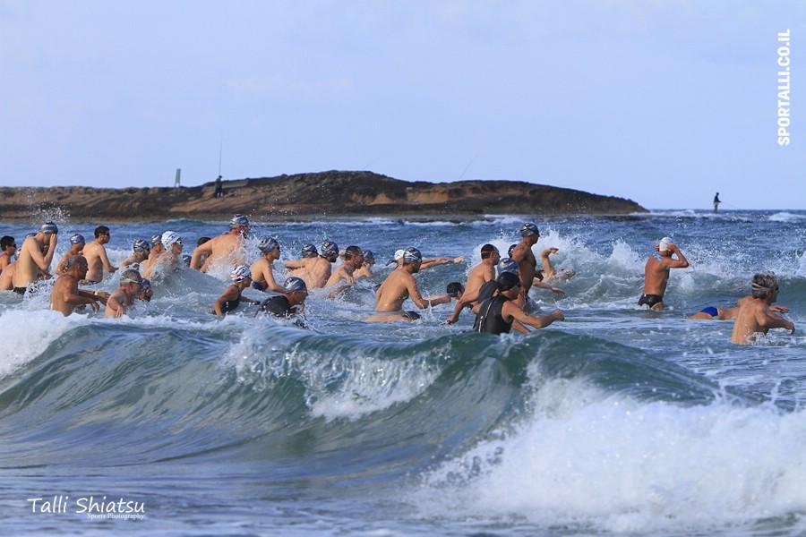 שחייה במים פתוחים | צילום: טלי שיאצו