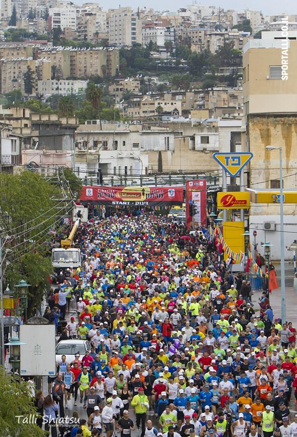 לרוץ על כאב | צילום: טלי שיאצו | מרתון טבריה