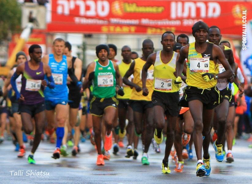 תמונת ההזנקה של מרתון טבריה 2015 | צילום: טלי שיאצו