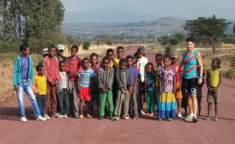 לרוץ מרתון | מחנה אימונים באתיופיה | הילדים בשכונה