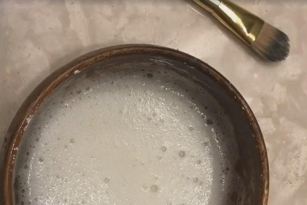 מסכת מסכת פנים מחלבון ביצה לימון וסודה לשתייה